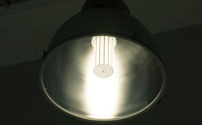150w led corn light bulb in HYUNDAI 4S shop Italy