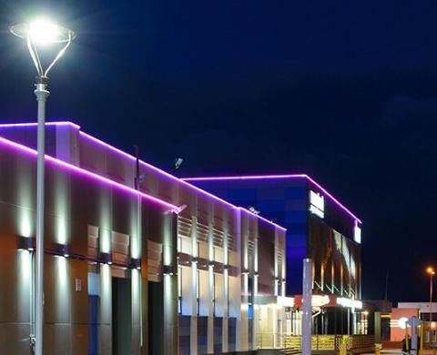 25 Watt Solar Post Top Area Light Fixtures Used in Apartment
